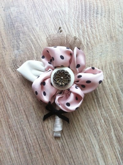 Boutonnieres shabby chic