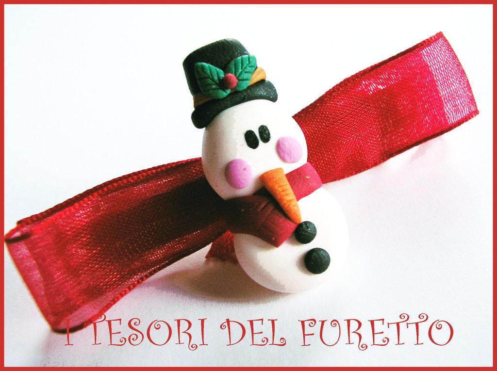 """Fermaglio Natale """"Omino Pupazzo di neve """" rosso idea regalo bambina fimo cernit kawaii"""