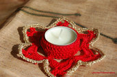 Decorazione Natale: porta candelina a stella in rosso e oro ad uncinetto