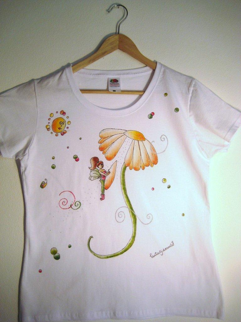 "t-shirt manica corta cotone ""fatamorosa"" dipinta a mano"