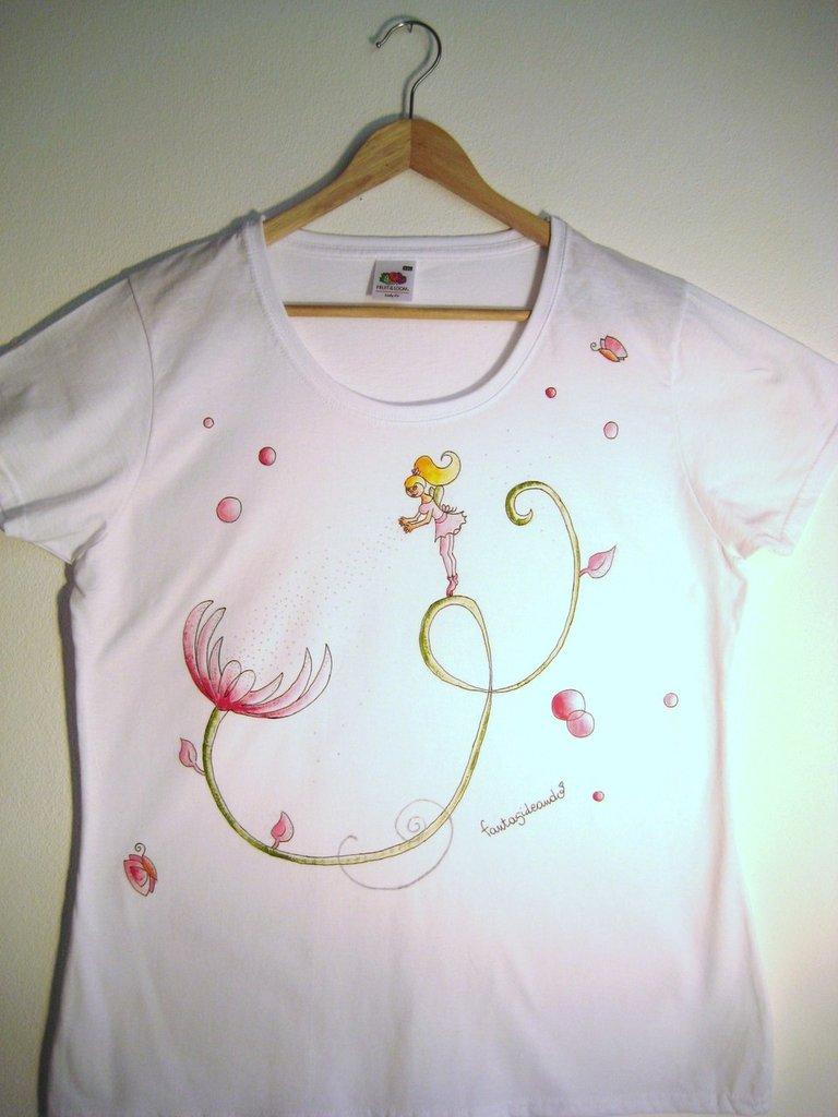 "t-shirt manica corta cotone ""fiorellandia"" dipinta a mano"