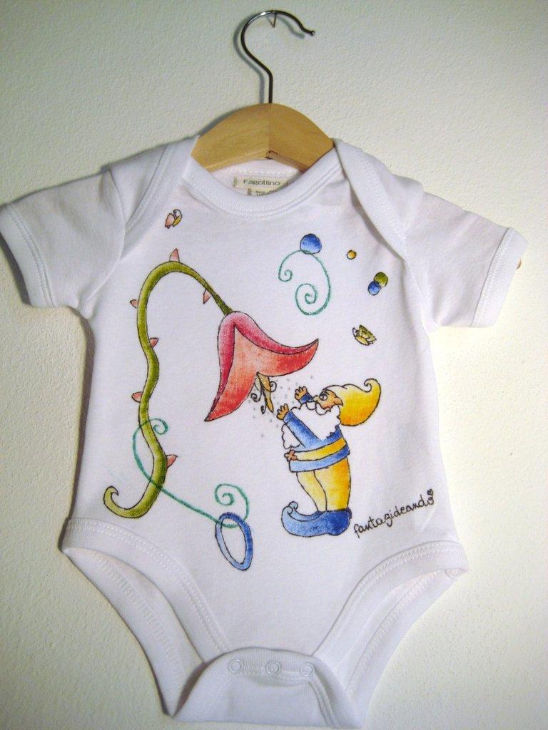 """body baby  """"naturino"""" in cotone bianco manica corta con bottoncini di chiusura dipinto a mano"""