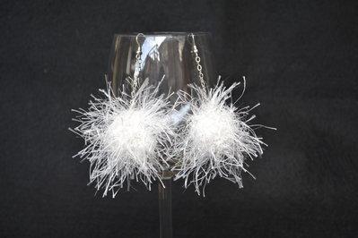 Orecchini pendenti bianchi con fiocco bianco  e argento
