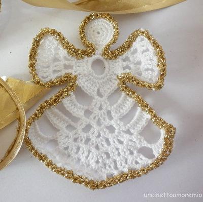 Decorazione Natale: angelo addobbo in bianco e oro ad uncinetto - mod.2