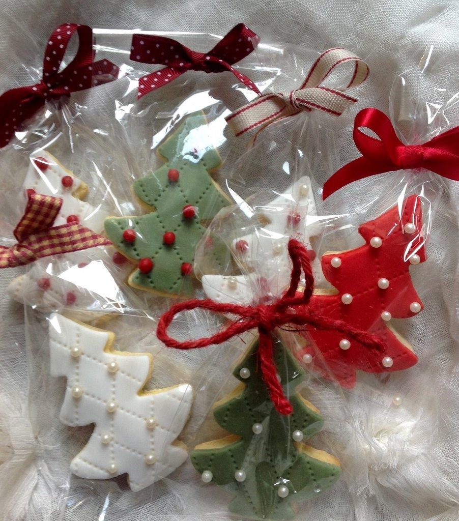 Segnaposto Natalizi Alimentari.Set Di 6 Biscotti Segnaposto Albero Di Natale Decorati In Pasta Di