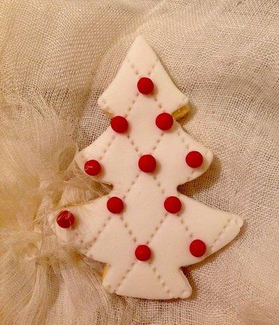 Segnaposto Natalizi Pasta Di Zucchero.Set Di 6 Biscotti Segnaposto Albero Di Natale Decorati In Pasta Di Zucchero