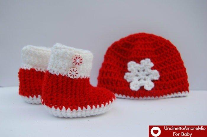 Scarpette boot + cappellino per bimbi in rosso e bianco con fiocco neve e bottoncini
