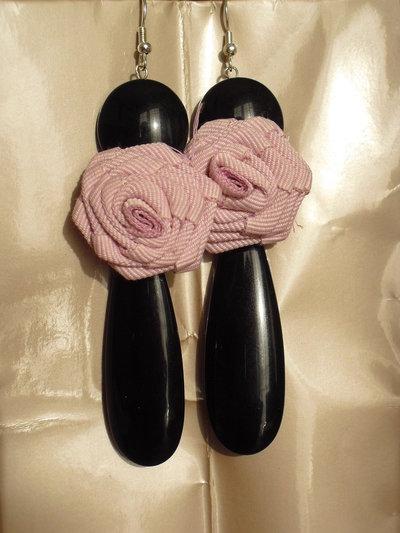 Orecchini pendenti con rosellina in stoffa