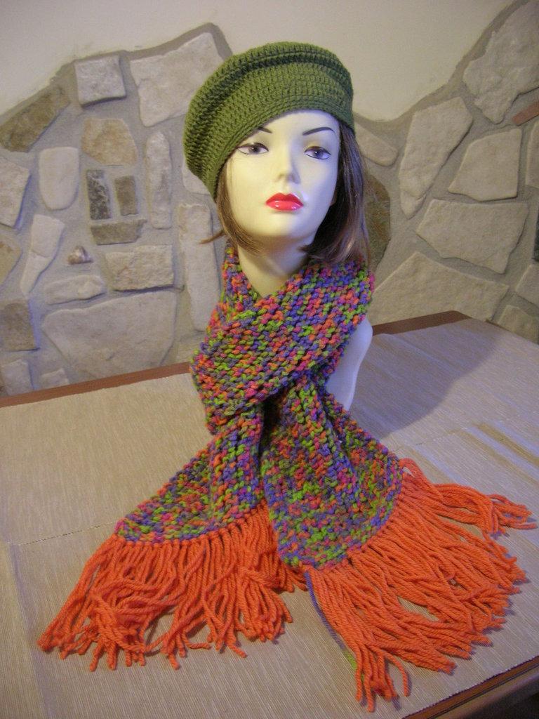Sciarpa da donna lavorata ai ferri con coste trasversali con lana melange
