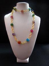 Collana color oro con piere tonde in agata multicolor lunga 98 cm