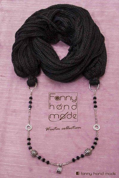 Sciarpa - scaldacollo - collana di lana nera. Tre in uno