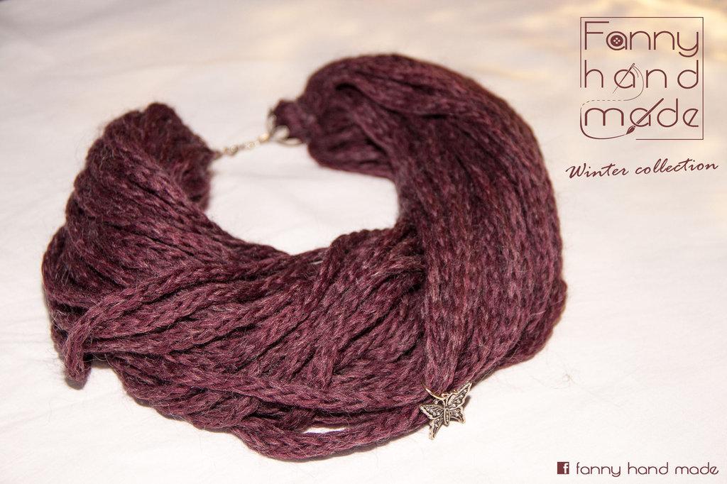 Scalda collo - collana di lana viola.