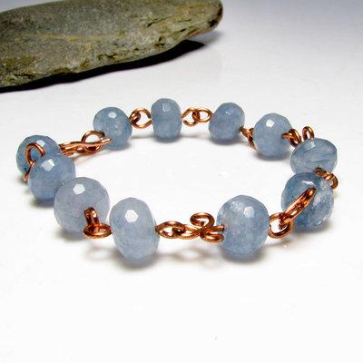 Bracciale in rame con pietre di quarzo azzurro - 0342