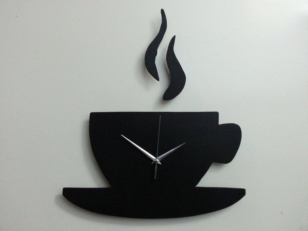 Orologio da parete tazza caffe 39 in legno fatto a mano for Orologio da cucina design