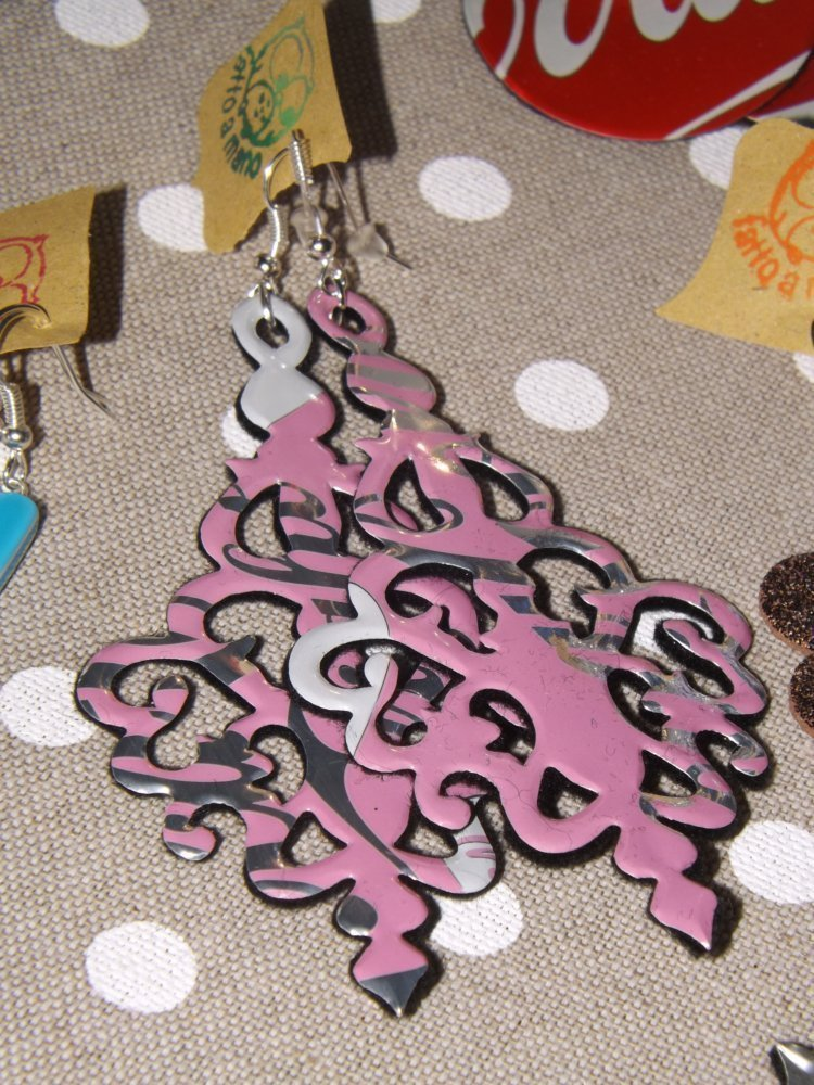 Orecchini chandelier con materiale di recupero: indossa le lattine! :)