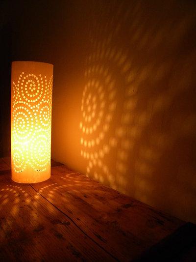 Leela, lampada media