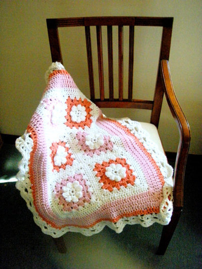 Copertina per Neonato / Accessori bambini / Culla Neonati / Battesimo / Crochet / Fatto a mano Neonato / Photo prop / Rose Bianco Rosa / Hippy chic