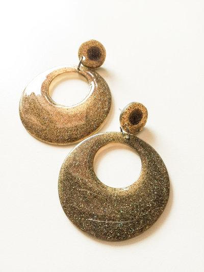 orecchini pendenti in resina