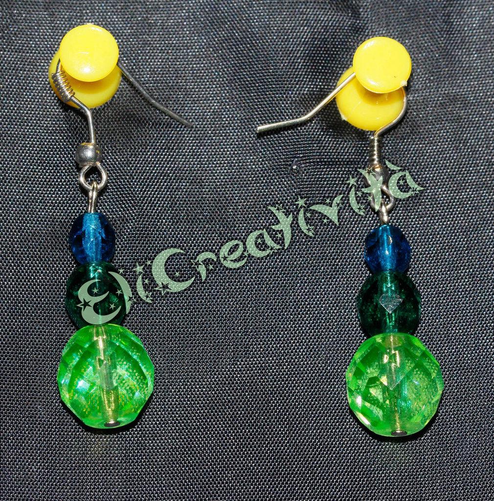 Orecchini con perline in scala cromatica verde e blu