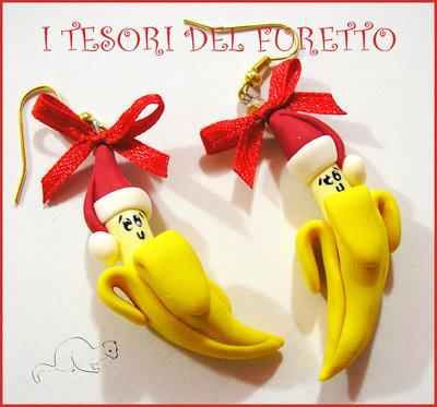 """Orecchini Natale """"  Banana Natalizia con cappellino rosso """" Fimo cernit kawaii idea regalo economica bambina per lei  -o-"""