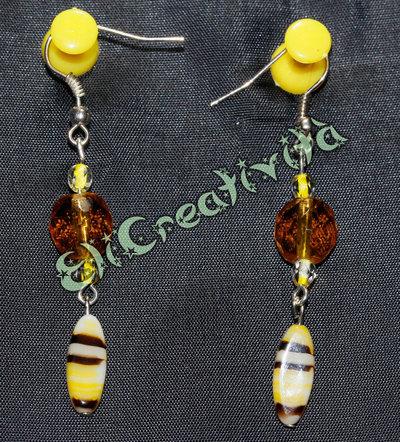 Orecchini con perline ambra e ciondoli gialli tigrati