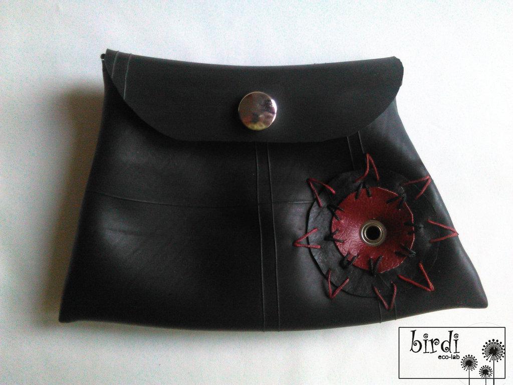 Borsello-portamonete in camera d'aria ed ecopelle RICICLO CREATIVO HAND MADE