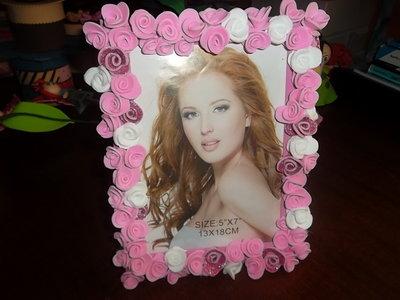 cornice portafoto decorata con rose in fommy