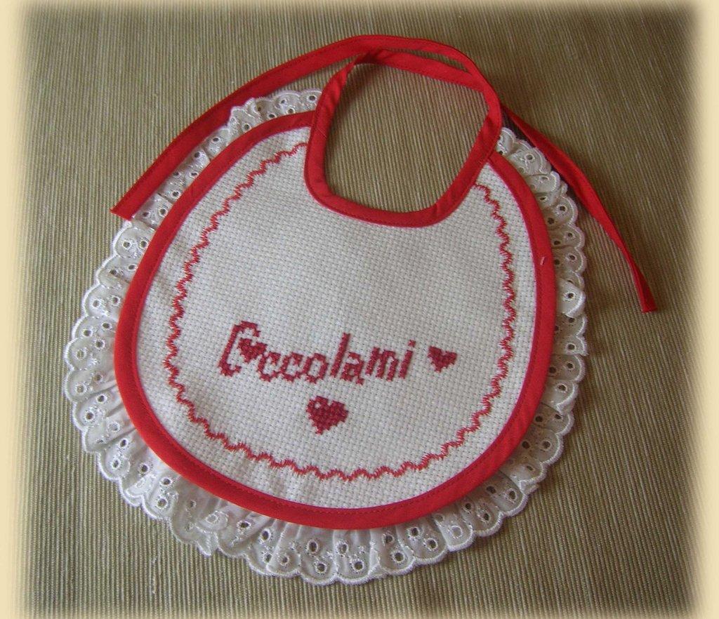 """Bavaglino """"Coccolami"""" con merletto"""