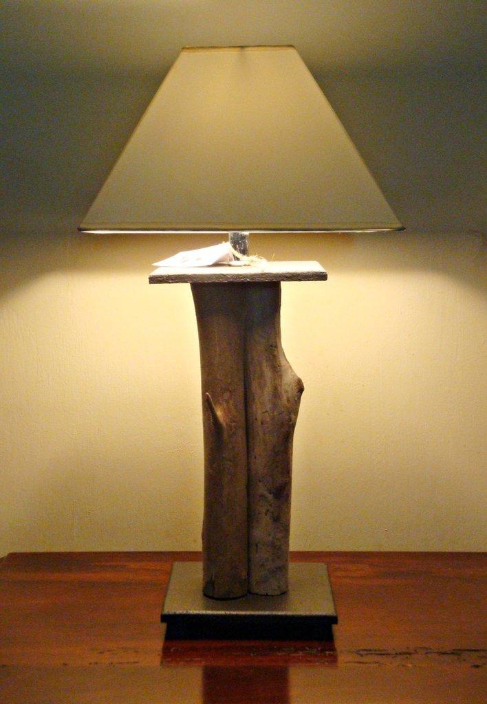"""Lampada """"IMPERIAL"""" con legni di mare"""