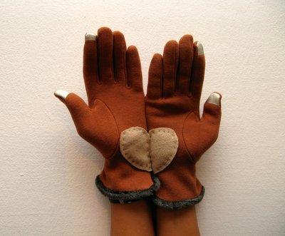 guanti a forma di cuore
