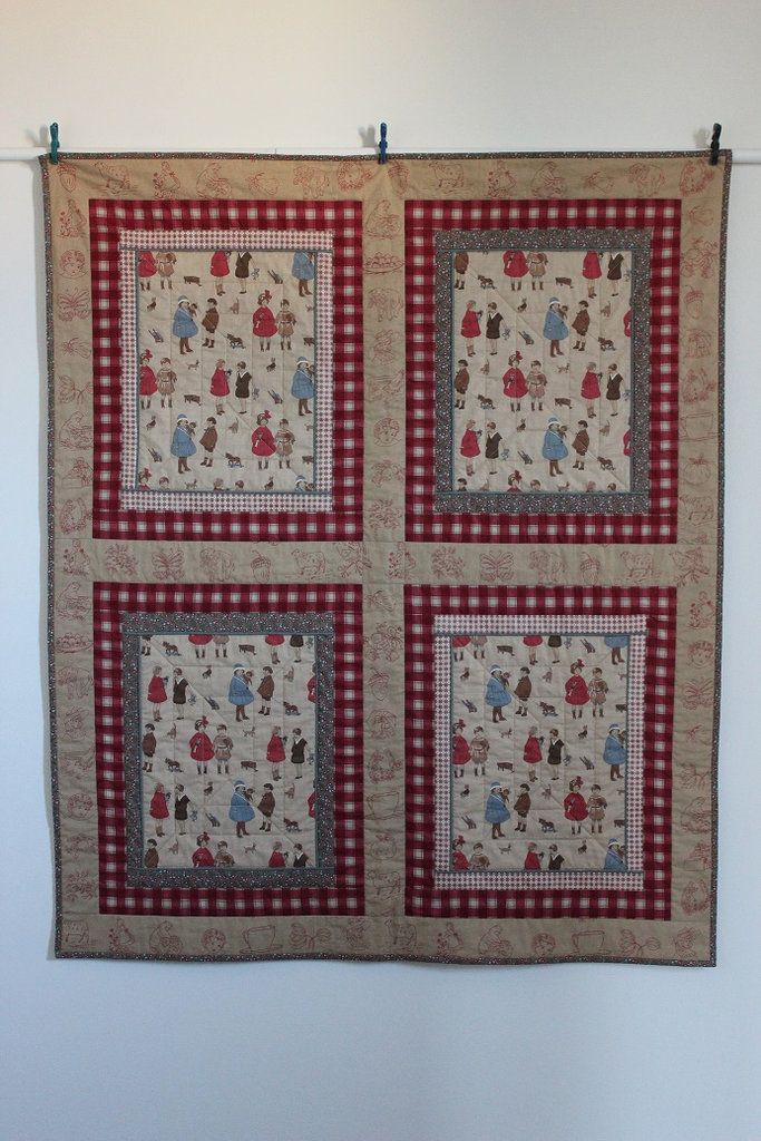 """Trapunta patchwork  in cotone stile retro cm 112x134 """"Cartoline"""""""
