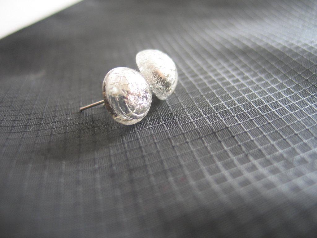 Orecchini a Bottone in vetro Foglia Argento