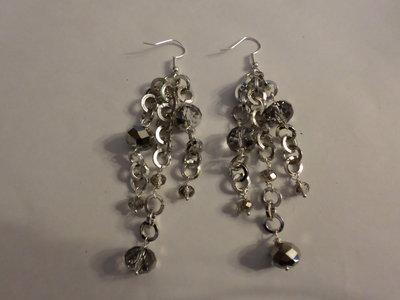 orecchini catena argento e cristalli