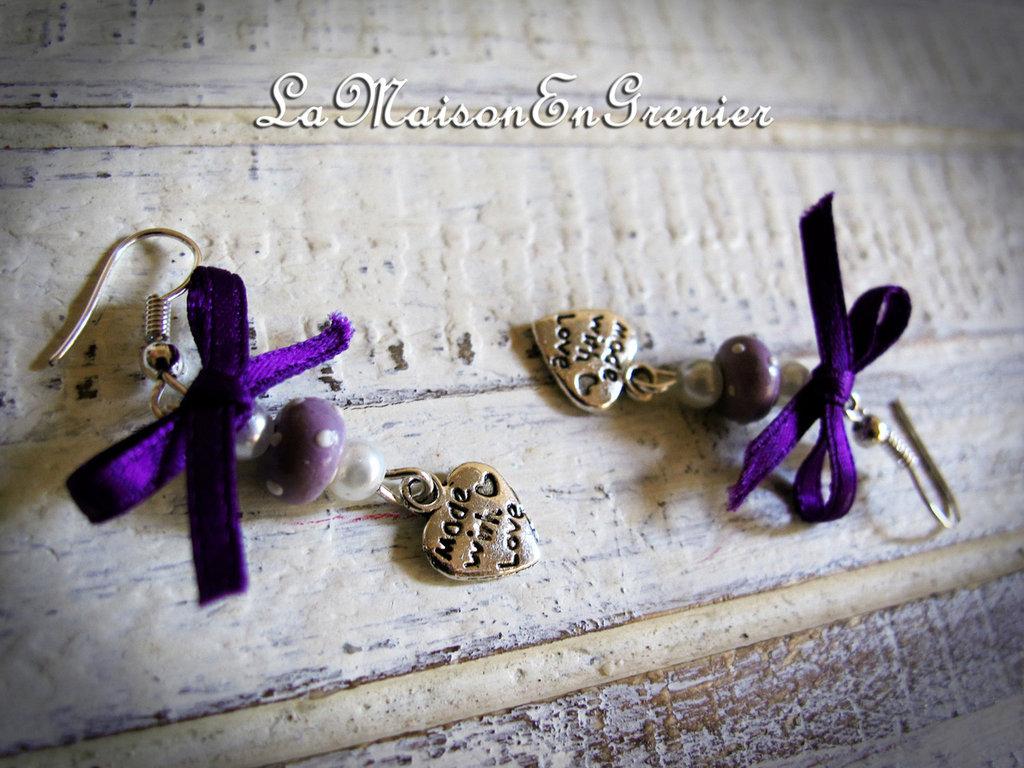 orecchini con perla a pois e fiocchetto viola