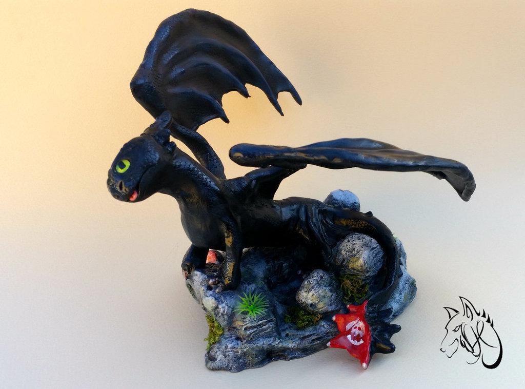 scultura ispirata a sdentato di dragon trainer in pasta polimerica