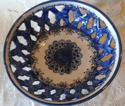 Centrotavola  Fruttierta in maiolica realizzato interamente a mano.Monocromo blu.