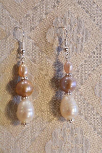 Orecchini pendenti con perle multiforme