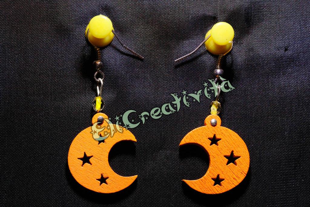 Orecchini con lune e perline gialle