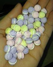 10 pezzi macaron in miniatura misura 1 cm scarso, ideali per le bottigliette da collana!