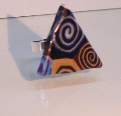 Anello triangolare collezione scrap