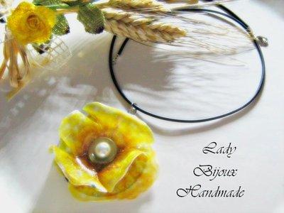 Collana in caucciù con pendente fiore Papavero giallo fatto in Sospeso Trasparente