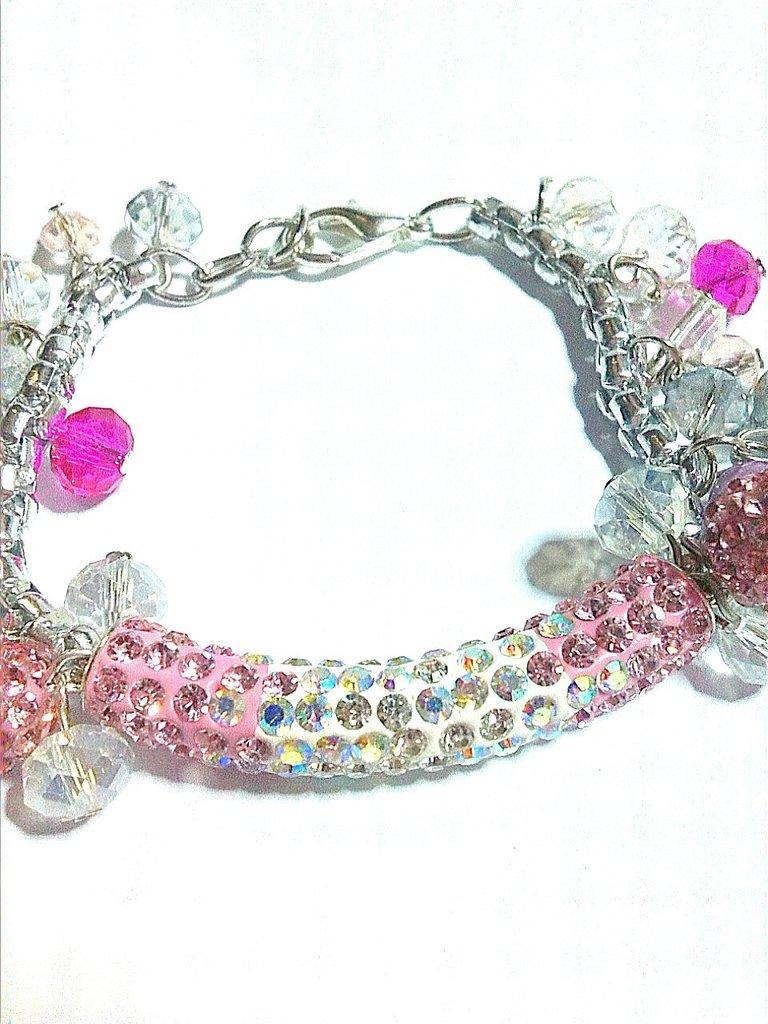 bracciale rosa e bianco con charms perle e cristalli FATTO A MANO