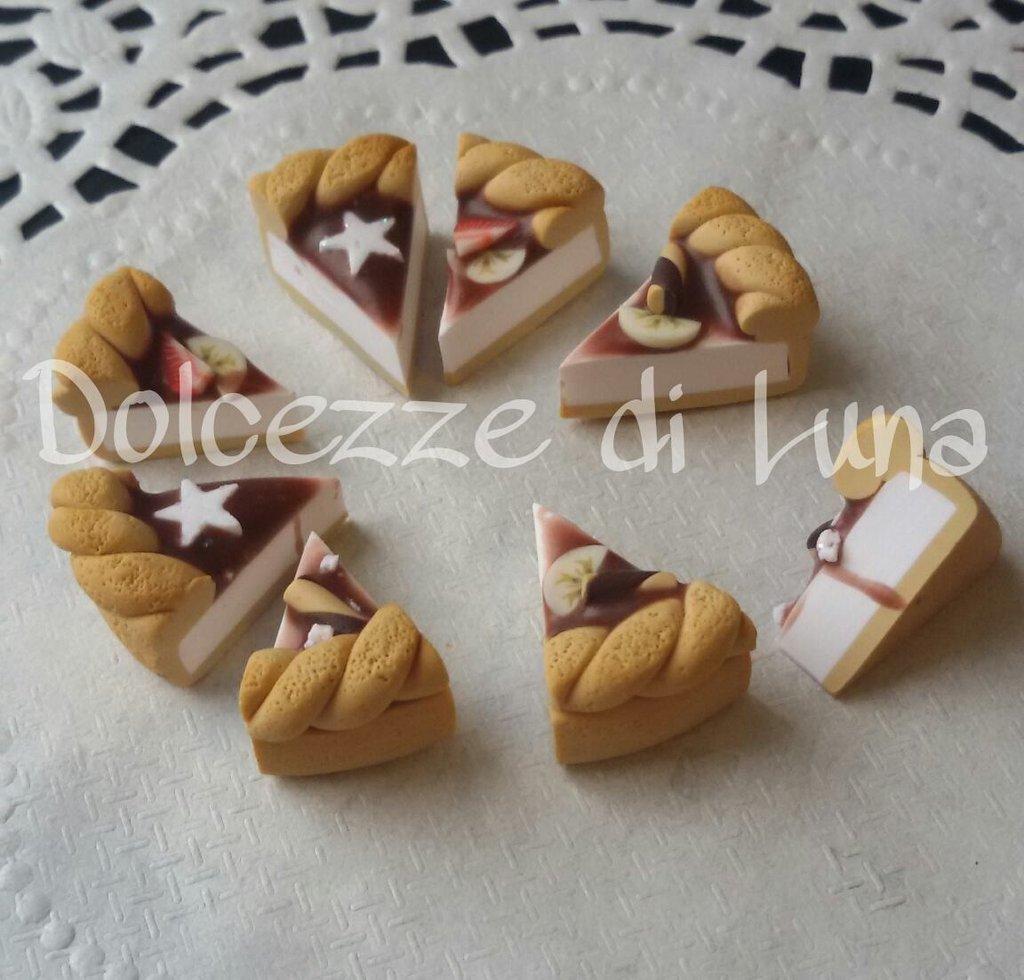 1 fettina di torta con glassa al cioccolato, ciondolo in fimo fatto a mano senza stampi x orecchini o bracciali