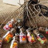 Ciondoli - bottiglietta in vetro con frutta portafortuna