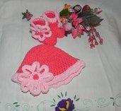 Scarpine e cappellino fatti a mano in misto lana ad uncinetto toni del rosa