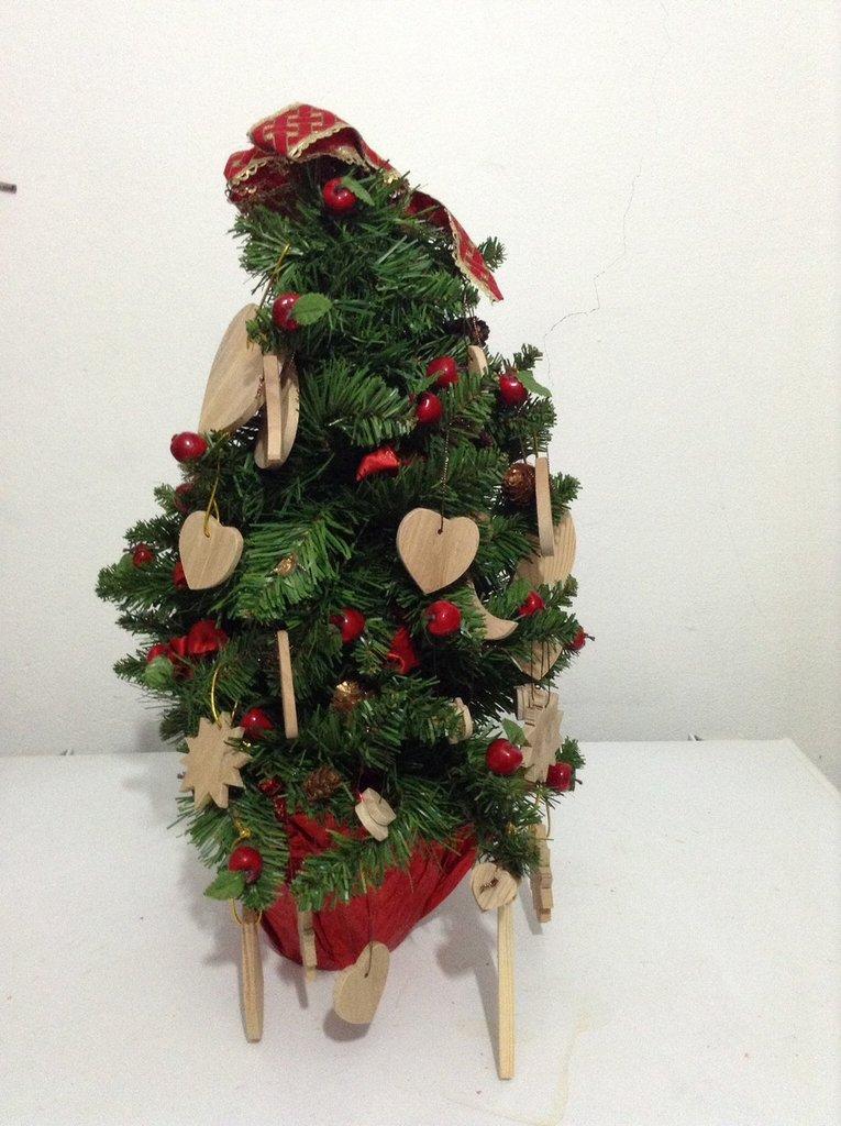 Decorazioni in legno albero di natale pacchetti per la - Decorazioni legno ...