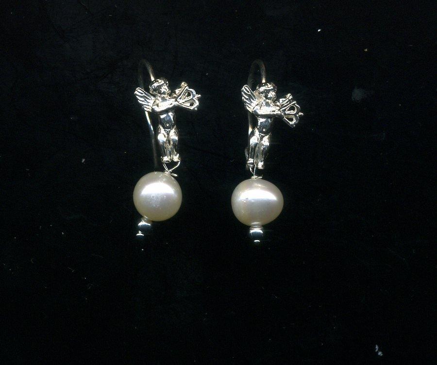 Orecchini in argento con Cupido e perla bianca