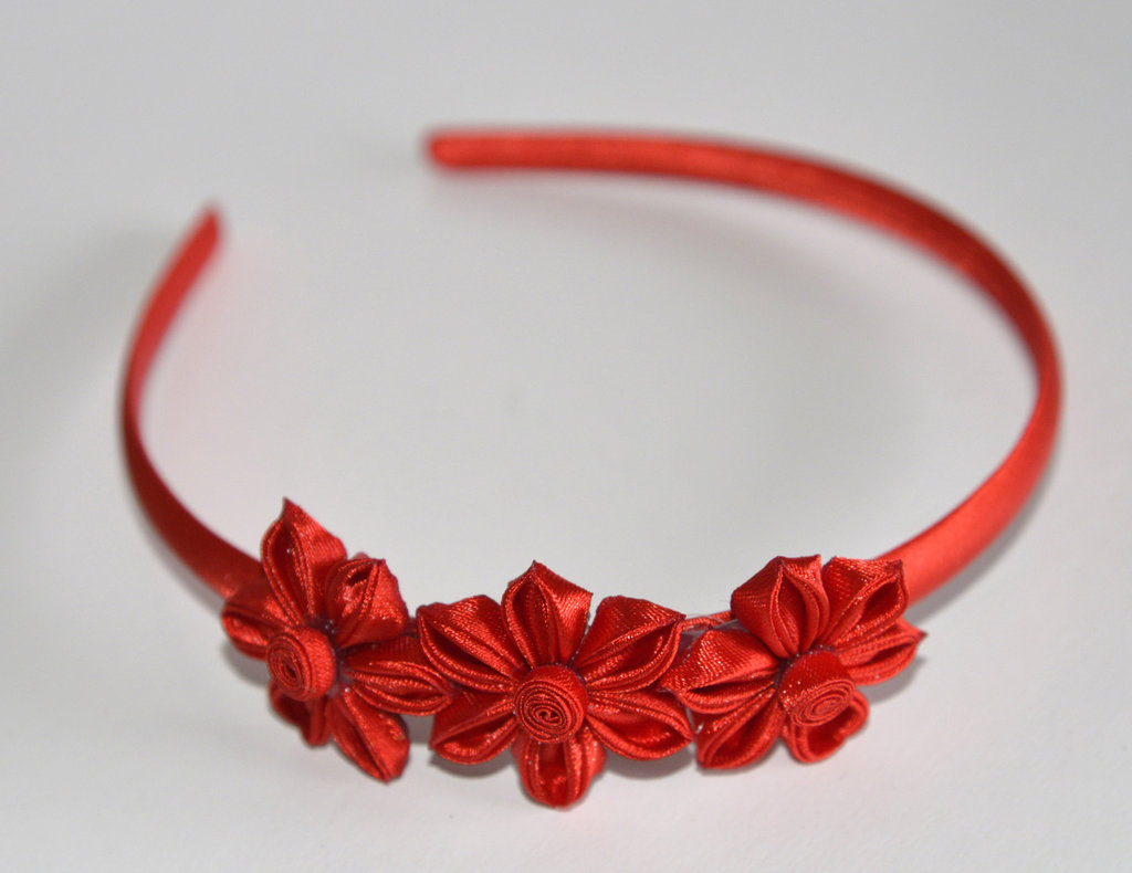 Cerchietto colorato con fiori kanzashi fatti a mano