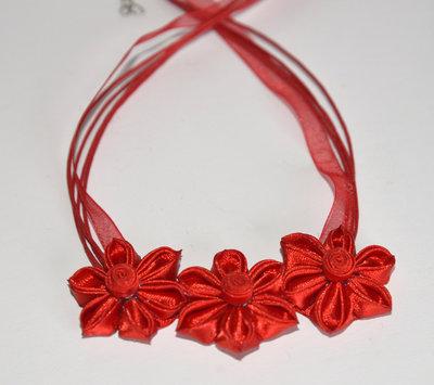 Collana  kanzashi fatta a mano colore rosso