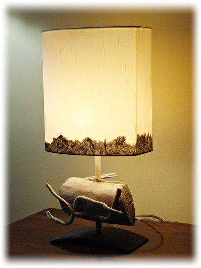 """Luce da tavolo """" POUTRE' """" con legni di mare"""